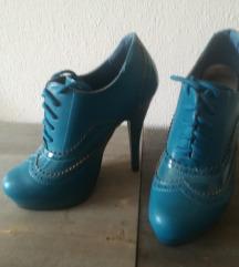 35-ös cipő
