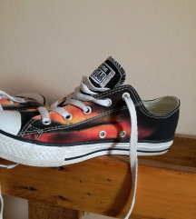 ÚJ EREDETI tégla - fekete limitált CONVERSE cipő