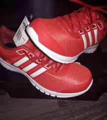 Új eredeti adidas cipő postával együtt