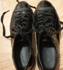 Hugo Boss lakkcipő