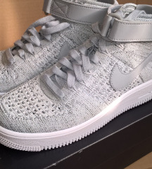 Nike Flyknit Air Force Mid