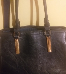 Fekete trendi táska