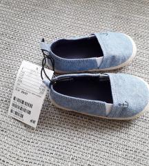 Új H&M cipő 20-21