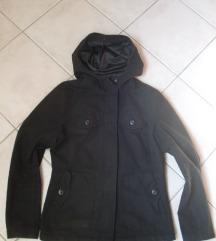 Fekete kapucnis női kabát
