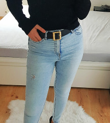 Reserved új fekete pulcsi