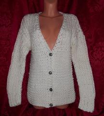 vastag kötött pulover