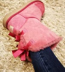 Ugg pink csizma 38-38.5-es méret 3800 Ft