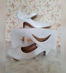 QueenBee fehér lakk cipő