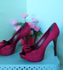 37 lila hasított műbőr masnis tűsarkú cipő