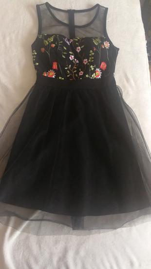Eladó új és sötét alkalmi tüll szoknyás ruha
