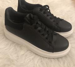 38-as cipő