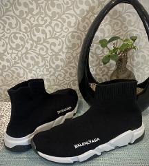 Balenciaga cipő nagyobb 40-es vagy 41-es lábra