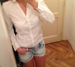 Klasszikus fehér ing