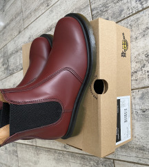 Martens  chelsea cherry red  37-es