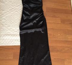 Gyönyörű fekete selyem húzott estélyi ruha