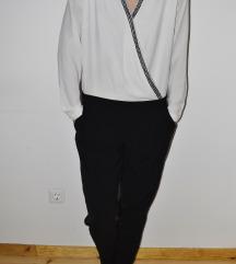 Fehér - fekete króm szegélyű overál