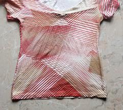 Geometriai mintás póló