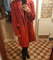 Piros hosszú kabát