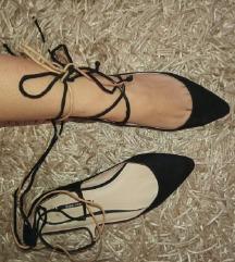 Zara 36-os fekete  megkötős cipő