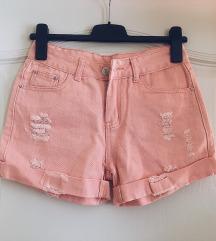 Rózsaszín rövidnadrág