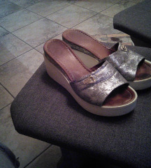 39-es csinos utcai papucs
