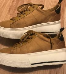Stradi cipő