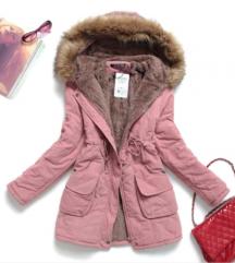 Rózsaszin kabátot keressek!!!