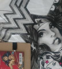Wonderwoman felső M