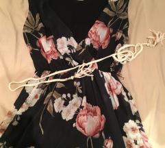 Viragos nyári ruha fekete alapon