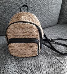 Szalmahatású mini hátizsák