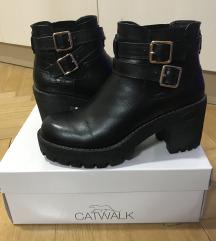 Catwalk bakancs 37