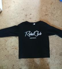 Fekete feliratos pulcsi