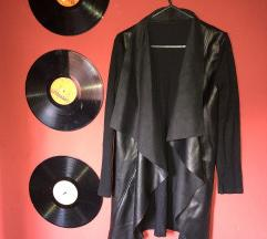 Fekete bőrbetétes pulcsi