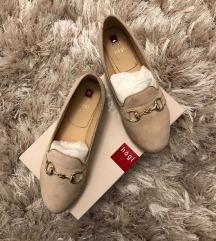 Högl Lapostalpú cipő