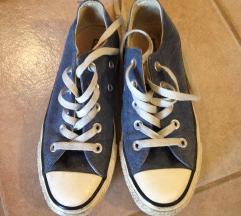 35-ös Converse tornacipő