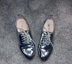 Ezüst kis cipő