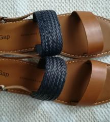Gap bőr szandál