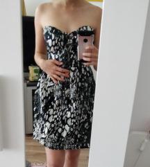 Fekete-fehér pánt nélküli gombos Amisu ruha