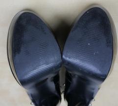 Fekete platform tüskés cipő