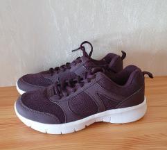 • F&F active lila cipő •