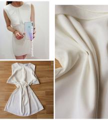 Fehér galléros ruha