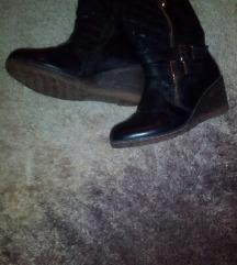 36-os cipő
