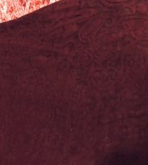 dombornyomott bordo ruha