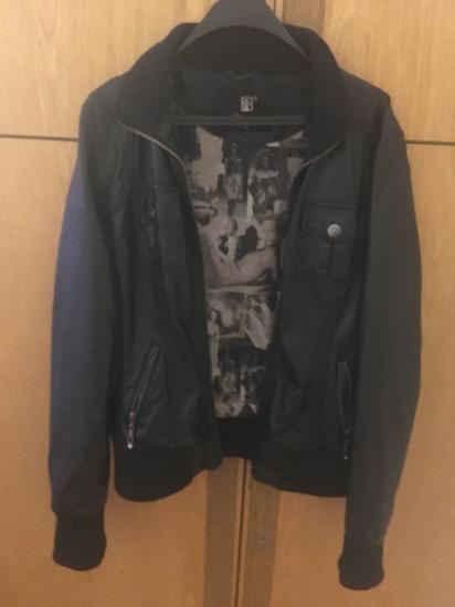 Fekete műbőr kabát M