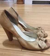 Csodaszép halványbarna bőr női magassarkú cipő