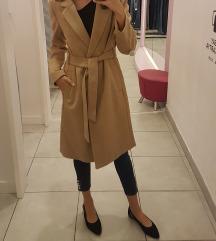 Új gyapjú kabát