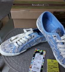 Budmil tavaszi Csipkés fűzős cipő