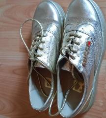 36-os arany színű MIssi cipő