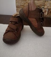 19-es Gyerek cipő eladó