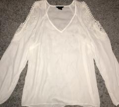 Kivágott vállú fehér csipkés ing